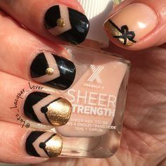 Art Deco Mani with #Sephora #FormulaX Energetic. This is My first time trying this brand and I have to say I'm impressed. This is the first sheer polish I've ever used that doesn't go on streaky or too thick. I used @whatsupnails wide chevron vinyls and they're awesome!! Accents are done with #ChinaGlazeOfficial Liquid Leather and #SallyHansen Insta Dry Go For Gold. Black acrylic craft paint for the black dots, lines, and bow (painted on with #winstonia striping & detail brushes)…