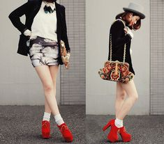 Sexy top hat (by Shan  Shan) http://lookbook.nu/look/4130294-sexy-top-hat