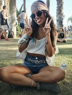 this music festival fashion look is so cute!