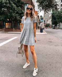 Dresses With Tennis Shoes, Tennis Shoes Outfit, Dress And Sneakers Outfit, Dress Outfits, Fashion Dresses, Sneakers Style, Sneakers Fashion, Grey T Shirt Dress, T Shirt Dresses