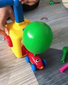 Balloon Cars, Balloons, Toddler Toys, Kids Toys, Wooden Christmas Decorations, Festa Toy Story, Science Toys, Kid Science, Preschool Science
