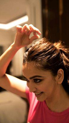 Bollywood Heroine, Bollywood Actress Hot Photos, Bollywood Celebrities, Beautiful Girl Indian, Most Beautiful Indian Actress, Beautiful Women, Nivedha Thomas, Kirti Kharbanda, Cute Young Girl