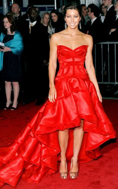 Jessica Biel...favorite actress. And the dress? I have no words. It's too beautiful.