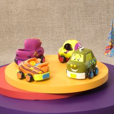 Pull them back and let goooooooooooooooo! 4 chunky vehicles Perfect for little hands Car rings Truck chimes Racer rattles Taxi squeaks No batteries necessary. With these soft cars, you don't really need tough ankles either