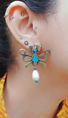 Girl with a pearl earring- Turquoise and pearl- Gold turquoise earring-Bird earring-White pearl earring-Turquoise earring- statement earring Bird Earrings, Stone Earrings, Statement Earrings, Pearl Earrings, Bohemian Necklace, Tribal Necklace, Turquoise Earrings, Photo Jewelry, Turquoise Stone