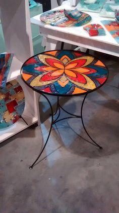 VitroFusión by Dai Lerman Más Mosaic Pots, Mosaic Diy, Mosaic Crafts, Mosaic Glass, Mosaic Tiles, Glass Art, Mosaics, Mosaic Furniture, Hand Painted Furniture