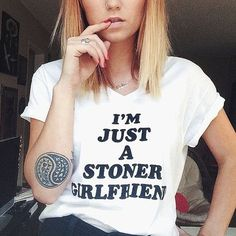 Sexy Stoner Chick - CannabisTutorials.com