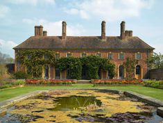 Pond before English manor house. From Gertrude Jekyll. Design Sponge