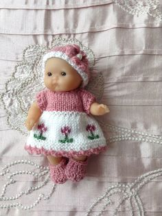 Hand knitted dolls clothes to fit 5 Berenguer Itty Bitty