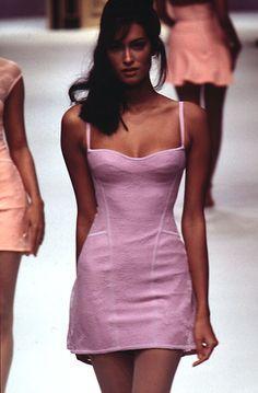 Yasmeen Ghauri walked for Herve Leger 2000s Fashion, High Fashion, Fashion Show, Fashion Fashion, Trendy Fashion, Fashion Beauty, Couture Fashion, Runway Fashion, Fashion Models