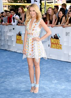 Pitch Perfect star Anna Camp chose Peter Pilotto for the 2015 MTV Movie Awards in the form of playful, embe...