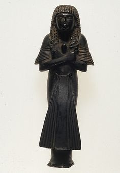 Shabti of Meryre with a ba-bird on his breast Period: New Kingdom, Amarna Period Dynasty: Dynasty 18 Reign: reign of Akhenaten Date: ca. 1353–1336 B.C. Geography: From Egypt; Possibly from Middle Egypt, Amarna (Akhetaten) Medium: Serpentine Dimensions: H. 22.3 cm (8 3/4 in); w. 8.5 cm (3 3/8 in); d. 5.8 cm (2 5/16 in) Credit Line: Rogers Fund, 1944 Accession Number: 44.4.71