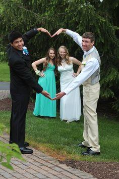 Heart prom pose #creative #prom