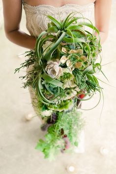 Texture, trailing bouquet succulent air plant modern cascade bouquet brought to you by Flowers Such Bouquet En Cascade, Trailing Bouquet, Cascading Wedding Bouquets, Bridal Flowers, Floral Bouquets, Bouquet Wedding, Botanical Wedding, Floral Wedding, Bouquet Succulent