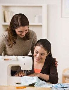 Mom-Kids sewing projects provides free information, projects and easy lessons for kids to learn to sew. Perfect for a sewing curriculum or just fun at home. Sewing School, Sewing Class, Sewing Basics, Sewing For Beginners, Sewing Hacks, Sewing Tutorials, Sewing Ideas, Sewing Patterns, Sewing Projects For Kids