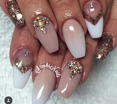 Gold, white and nude with accessories