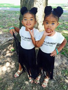 Most of us have come across twins at some point, but these two little girls from Philadelphia share a very rare condition in an already very rare case. And what' s more, is tha. So Cute Baby, Cute Twins, Baby Kind, Pretty Baby, Baby Love, Cute Babies, Beautiful Black Babies, Beautiful Children, Future Daughter