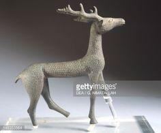 Fine art : Deer, bronze from Brolio (Tuscany). Etruscan civilization, 600-570 BC.