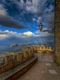 Are you able to take grade-a pictures? Verona Italy, Puglia Italy, Sicily Italy, Venice Italy, Trapani Sicily, Places To Travel, Travel Destinations, Palermo Sicily, World Pictures