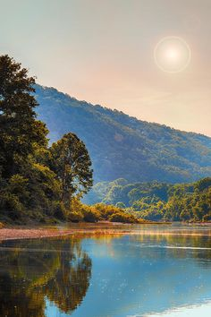 Buffalo River Morning.  Buffalo National River, northern Arkansas, flows freely for 135 miles and is one of the few remaining undammed rivers in the lower 48 states. (V)