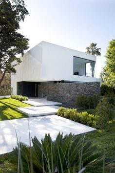 Carrara House / Andres Remy, Architect