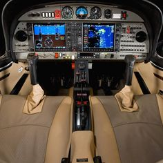Diamond Aircraft DA42 Interior