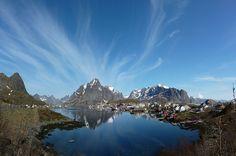 Reine i Lofoten by upsa-daisy, via Flickr