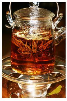 Tea tasting - flowering tea ball Wine Recipes, Gourmet Recipes, Flower Tea, Meals, Drink, Food, Beverage, Meal, Essen