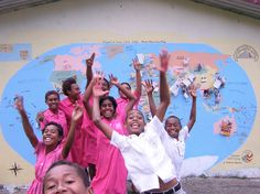 We love seeing happy, smiling students! These kids in Peace Corps Fiji make our hearts sing.