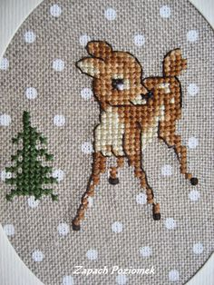 1 million+ Stunning Free Images to Use Anywhere Cross Stitch Sea, Xmas Cross Stitch, Cross Stitch Animals, Cross Stitching, Cross Stitch Embroidery, Hand Embroidery, Cross Stitch Christmas Ornaments, Christmas Embroidery, Christmas Cross