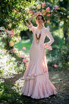 Outfits Fiesta, Party Outfits, Flamenco Costume, Polka Dots, Dresses With Sleeves, Dance, Costumes, Stylish, Long Sleeve
