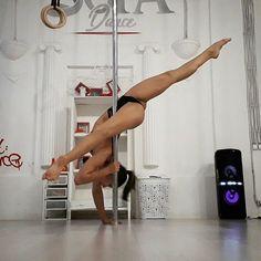 492 vind-ik-leuks, 4 reacties - Irina Bell PoledancerDancer (@irinabell_) op Instagram: 'Понравилась стоечка  Увидела давно у @anastasiaskukhtorovapoledance ❤ #irinabell #poledance…'