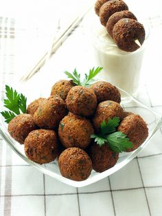 Did you know Falafel is a Lebanese dish? Falafels are essentially deep fried balls, which are often eaten with hummus or pita bread. This recipe can be prepared in just 6 simple and easy-to-follow steps. The ingredients that I am using to prepare this...