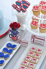 Red, White and Blue themed Wedding. London Theme Parties, London Party, British Party, British Wedding, England Party, Queen Birthday, Tea Party Wedding, Party Treats, High Tea