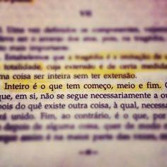 A Poética. Aristóteles. (via Celso Junior)