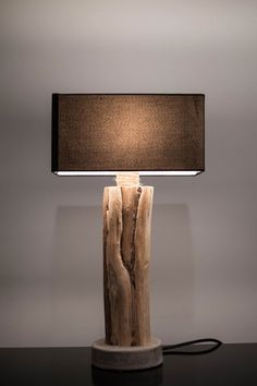 "Light Driftwood / Base concrete / Driftwood lamp / Concrete / ""La Bilot"""