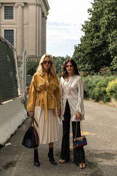 263 of the Best Street Style Looks From New York Fashion Week - Daily Fashion Best Street Style, New York Fashion Week Street Style, Cool Street Fashion, Street Style Looks, New Fashion, Autumn Fashion, Fashion Outfits, Fashion Trends, Fashion Weeks