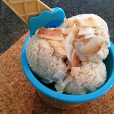 Low Carb Cardamon and Coconut Ice Cream Recipe Coconut Ice Cream, Low Carb Ice Cream, Frozen Yoghurt, Tasty, Yummy Food, Toasted Coconut, Frozen Desserts, Ice Cream Recipes