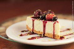 Mamaggiore (almoço)    Cheesecake Cheesecake a base de Cream Cheese, fina base de biscoito, calda de frutas vermelhas e raspas de limão sisciliano
