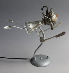 25 Scrap Material Sculptures by Brain Marshall - The worlds first robot orphanage. Read full article: http://webneel.com/webneel/blog/25-scrap-material-sculptures-brain-marshall-first-robot-orphanage | more http://webneel.com/sculpture-works | Follow us www.pinterest.com/webneel