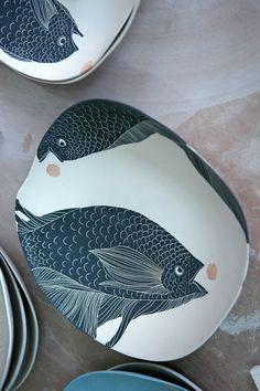 Art-Monie: Simone Perrotte céramiste - dessin des nageoires poissons