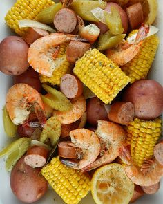 19.Slow Cooker Low Country Boil #crockpot #recipes #summer http://greatist.com/eat/summer-crock-pot-recipes
