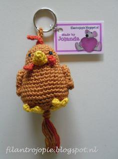 Funny little chicken by Filantrojopie Crochet Birds, Easter Crochet, Crochet Animals, Crochet Flowers, Crochet Toys, Crochet Baby, Free Crochet, Knit Crochet, Crochet Keychain