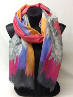 Sciarpa in lana e cotone stampata. Printed wool and cotton scarf. www.millenium-srl.it