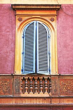 window in Rome
