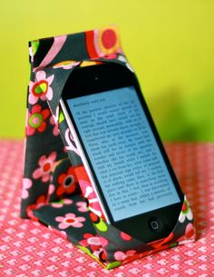 iPod Touch / iPhone Case Stand PATTERN to be an by madebymarzipan, $4.50