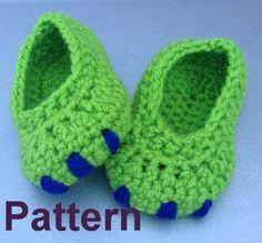 Baby Monster Dinosaur booties crochet pattern by HookNYarnCrochet