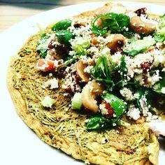 Lunch tijd! Omelet met bloemkoolcouscous-salade #healty #foodie  #purefoodie #foodporn #lunch #omelet #salade #bloemkool #healthyfood #foodshare #foodstagram #foods #fitfood #foodiefood