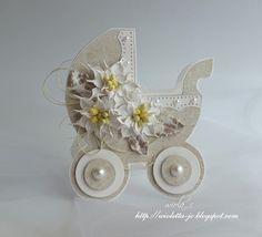 Pojazd dla dziecka, Baby crib with flowers