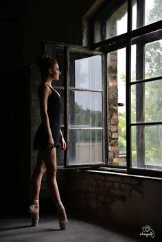 ballerina balerina project dance dancer ballet balett choreography choreographer school art studio photography photo nikon shoot model modell photoshoot window light